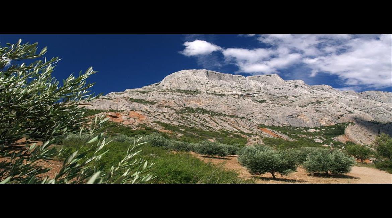 BOUCHES DU RHÔNE : La Sainte Victoire, paradis des randonneurs